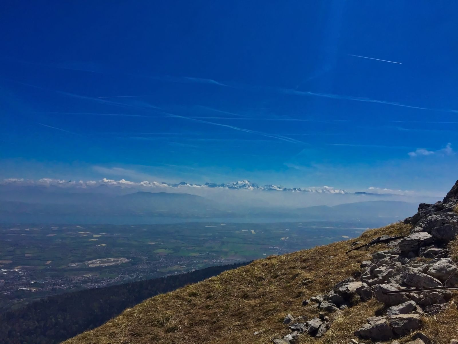 views of the Montblanc and Geneva region from Montrond